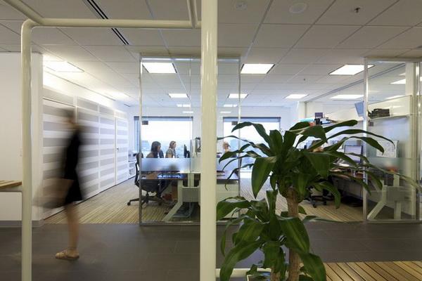 布置中巧用点线面,可以获得很好的布置效果.办公室布局布置